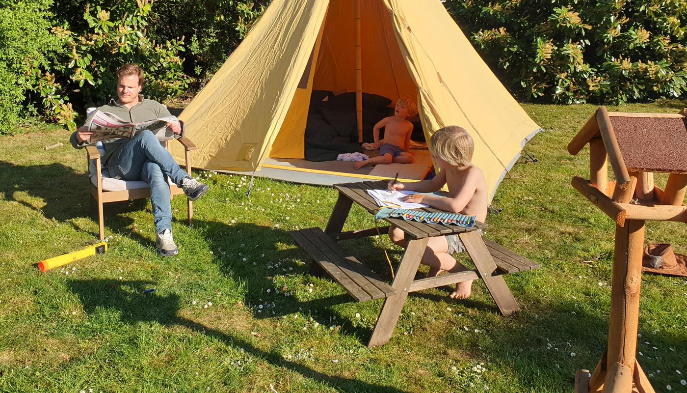 Tent en tuin kamperen LIFFIN.jpg